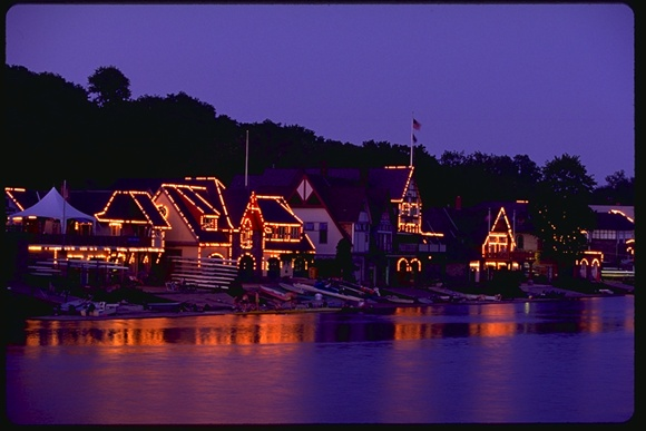 Art Museum, Boathouse Row, Philadelphia Skyline